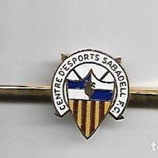 Coleccionismo deportivo: CENTRE D´ESPORTS SABADELL F.C AGUJA DE CORBATA. Lote 155654358