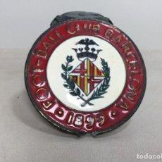 Coleccionismo deportivo: MEDALLA CONMEMORATIVA PRIMER ESCUDO FOOT BALL CLUB BARCELONA 1899. Lote 156332566