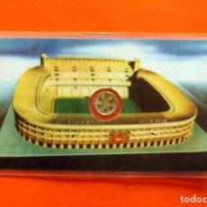 Coleccionismo deportivo: SANTIAGO BERNABEU, REAL MADRID - ESPAÑA 82, 1982 - FICHA PLASTIFICADA, CON MINI MONEDA. Lote 157949706