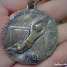 Coleccionismo deportivo: RFEF 1966 III CAMPEONATO ESPAÑA FUTBOL INFANTIL MEDALLA HUELVA . Lote 160854786