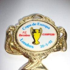 Coleccionismo deportivo: MEDALLA DE LA COPA DE EUROPA DE 20/05/1992 BARCELONA CAMPEON 5 X 5 CM. Lote 161129458