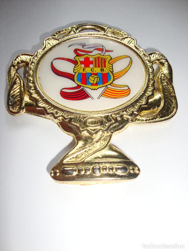 Coleccionismo deportivo: MEDALLA DE LA COPA DE EUROPA DE 20/05/1992 BARCELONA CAMPEON 5 X 5 CM - Foto 2 - 161129458