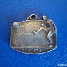 Coleccionismo deportivo: (F-190563)MEDALLA DE PLATA F.C.C.F. FEDERACION CATALANA CLUBS DE FOOT-BALL - MARCAJE RENART - INFANT. Lote 164176510