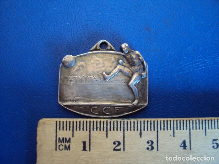 Coleccionismo deportivo: (F-190563)MEDALLA DE PLATA F.C.C.F. FEDERACION CATALANA CLUBS DE FOOT-BALL - MARCAJE RENART - INFANT - Foto 3 - 164176510