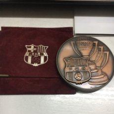 Coleccionismo deportivo: F.C.B. MEDALLA CAMPIO DE LLIGA Y DE EUROPA. Lote 165662781