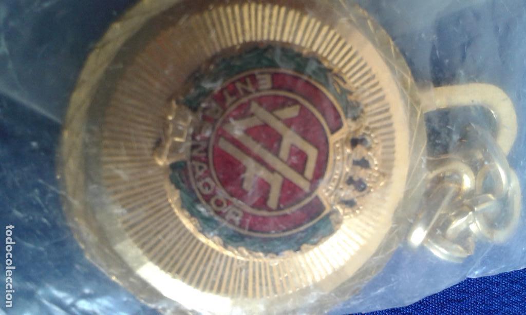LLAVERO-FEDERACION VALENCIANA DE FUTBOL - ENTRENADOR CON LA CORONA REAL (Coleccionismo Deportivo - Medallas, Monedas y Trofeos de Fútbol)