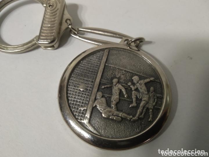 Coleccionismo deportivo: Llavero real club deportivo español - Foto 2 - 172911903