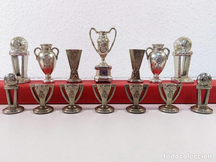 COLECCIÓN DE TROFEOS EN MINIATURA DEL REAL MADRID CLUB DE FUTBOL. (Coleccionismo Deportivo - Medallas, Monedas y Trofeos de Fútbol)