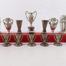 Coleccionismo deportivo: COLECCIÓN DE TROFEOS EN MINIATURA DEL REAL MADRID CLUB DE FUTBOL.. Lote 174148790