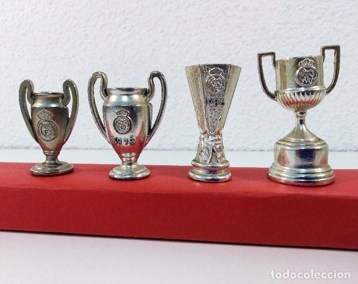 Coleccionismo deportivo: COLECCIÓN DE TROFEOS EN MINIATURA DEL REAL MADRID CLUB DE FUTBOL. - Foto 3 - 174148790