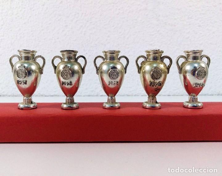 Coleccionismo deportivo: COLECCIÓN DE TROFEOS EN MINIATURA DEL REAL MADRID CLUB DE FUTBOL. - Foto 4 - 174148790