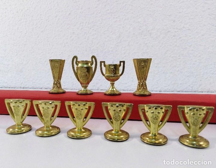 Coleccionismo deportivo: COLECCIÓN DE TROFEOS EN MINIATURA DEL REAL MADRID CLUB DE FUTBOL. - Foto 5 - 174148790