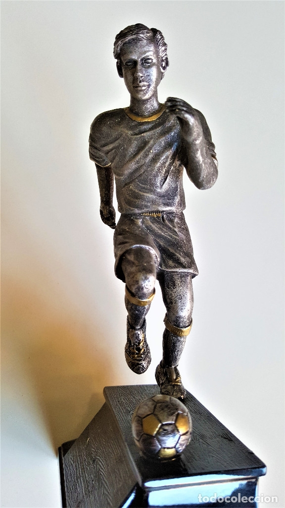 Coleccionismo deportivo: BONITA FIGURA JUGADOR FUTBOL PLOMO Y NICKEL PARECE 19.CM ALTO - Foto 4 - 174980688