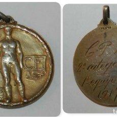 Coleccionismo deportivo: MEDALLA DE FUTBOL 1917 / 18. F. C. C. F. PLATA. 11,53 GR. 30 MM. CON ANILLA. FERACIO CATALANA CLUB. Lote 175647219