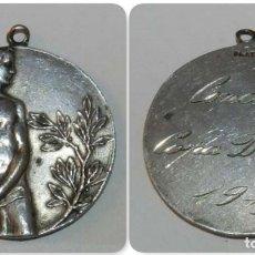 Coleccionismo deportivo: MEDALLA EN PLATA CONCURS COPA DTE. X. AÑO 1919, FIRMADA VALLMITJANA, BUEN ESTADO MIDE 3 CM. PESA 9,6. Lote 175650532