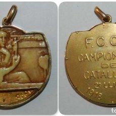 Coleccionismo deportivo: MEDALLA HISTORICA DEL FUTBOL CLUB BARCELONA, BARÇA, MEDALLA CON ENGARCE DE ORO, ZONA CENTRAL DE MARF. Lote 175651897