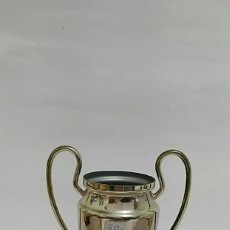 Coleccionismo deportivo: COPA DE METAL SAINT DENIS 2006 FCBARCELONA 2 - ARSENAL 1 MIDE 17CM. Lote 176126879