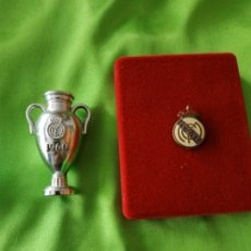 Coleccionismo deportivo: TROFEOS MINIATURA - REAL MADRID CF. Lote 153701142