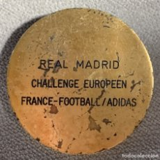 Coleccionismo deportivo: MEDALLA DE FUTBOL - REAL MADRID - CHALLENGE EUROPEEN - FRANCE - FOOTBALL - ADIDAS. Lote 179038237