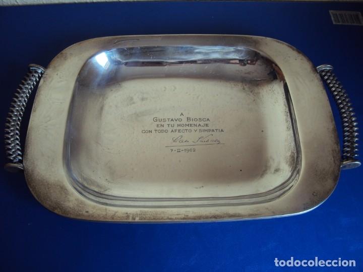 (JU-191131)PLACA DE PLATA DE LADISLAO KUBALA A GUSTAVO BIOSCA EN SU HOMENAJE 7-2-1962 (Coleccionismo Deportivo - Medallas, Monedas y Trofeos de Fútbol)