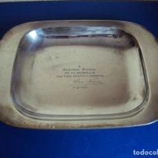 Coleccionismo deportivo: (JU-191131)PLACA DE PLATA DE LADISLAO KUBALA A GUSTAVO BIOSCA EN SU HOMENAJE 7-2-1962. Lote 182853778