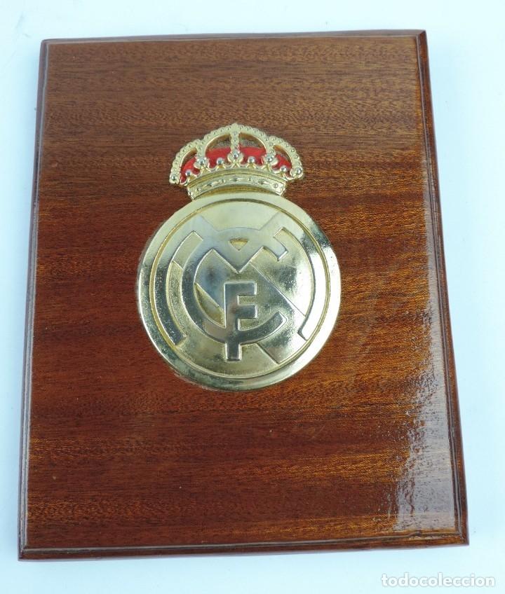 METOPA DEL REAL MADRID CLUB DE FUTBOL, MIDE 21,5 CMS (Coleccionismo Deportivo - Medallas, Monedas y Trofeos de Fútbol)