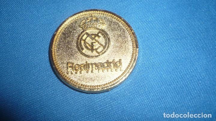 MEDALLA REAL MADRID SANTIAGO BERNABEU 1982 (Coleccionismo Deportivo - Medallas, Monedas y Trofeos de Fútbol)