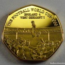 Coleccionismo deportivo: MUNDIAL INGLATERRA 1966 MEDALLA CONMEMORATIVA BAÑADA EN ORO. Lote 191240360