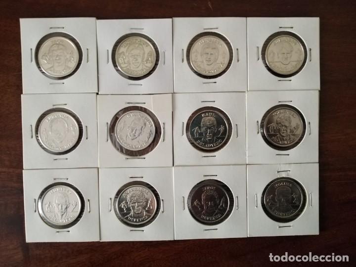 12 MONEDAS MEDALLA SELECCIÓN ESPAÑOLA. AÑO 2000. VER FOTOS. (Coleccionismo Deportivo - Medallas, Monedas y Trofeos de Fútbol)