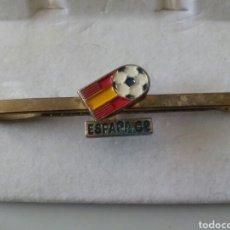 Coleccionismo deportivo: ANTIGUO PASACORBATA ESPAÑA 82. Lote 194959580