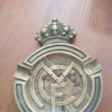 Collectionnisme sportif: REAL MADRID CENICERO EN BRONCE ANTIGUO. Lote 206218640