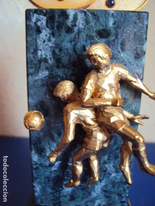 Coleccionismo deportivo: (F-200508)TROFEO OBSEQUIO DE LA FIFA AL PRESIDENTE DEL COI S.E.JUAN ANTONIO SAMARANCH 7-12-1996 - Foto 3 - 206248367