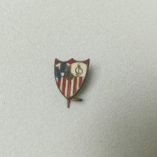 Coleccionismo deportivo: ANTIGUA INSIGNIA DE AGUJA SEVILLA CLUB DE FÚTBOL. Lote 207159086