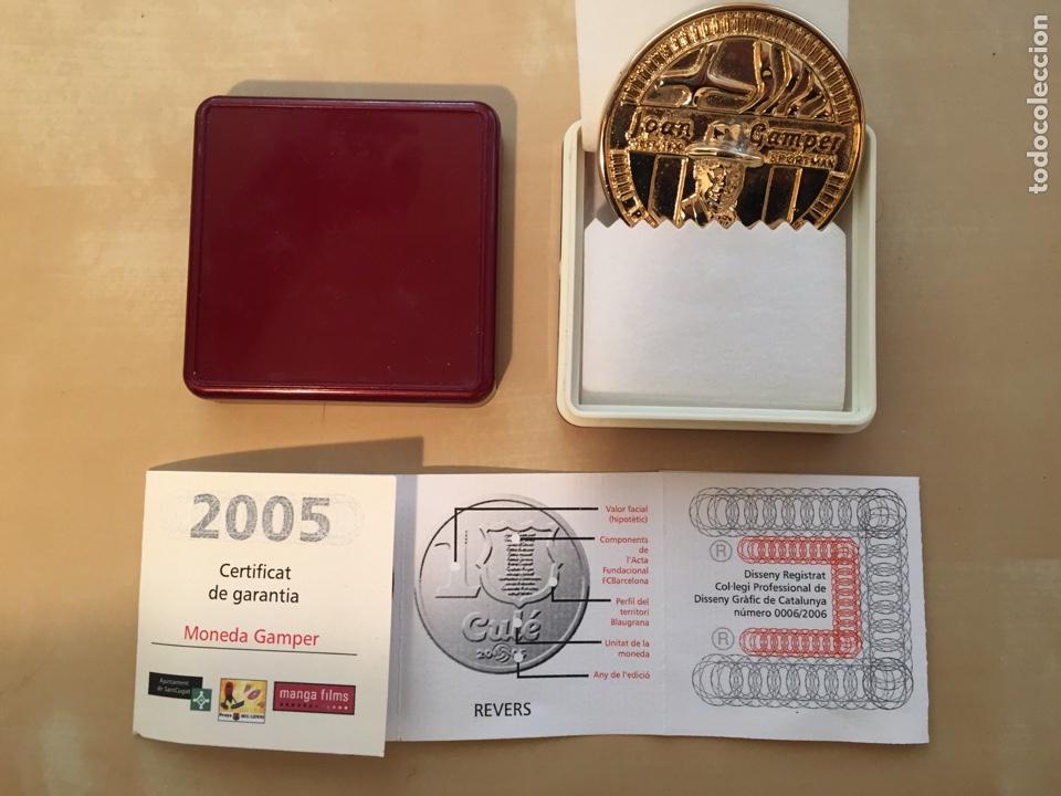 MONEDA GAMPER CON CERTIFICADO DE GARANTÍA - BARCELONA FORÇA BARÇA FC - JOAN FUTBOL FOOTBALL NUMERADA (Coleccionismo Deportivo - Medallas, Monedas y Trofeos de Fútbol)