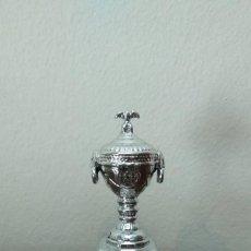 Coleccionismo deportivo: COPA MINIATURA DEL BARÇA - COPA LATINA. Lote 210418133