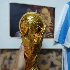 Coleccionismo deportivo: COPA DEL MUNDO TAMAÑO REAL. Lote 210696124