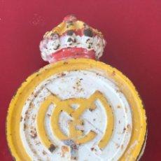 Coleccionismo deportivo: GRAN ESCUDO DE HIERRO COLADO/ FUNDIDO DEL REAL MADRID CLUB DE FÚTBOL. 1920'S.. Lote 213125662