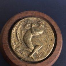 Coleccionismo deportivo: FIFA MUNDIAL 1974 MEDALLA PLATA BERTONI FIRMA SILVIO GAZZANIGA. Lote 218474220