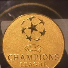 Coleccionismo deportivo: MONEDA UEFA CHAMPIONS LEAGUE 2017 CAMPEON REAL MADRID C.F.. Lote 219028888
