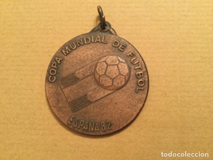 MEDALLA CEREMONIA INAUGURAL MUNDIAL 82 PARTICIPANTE 1982 (Coleccionismo Deportivo - Medallas, Monedas y Trofeos de Fútbol)