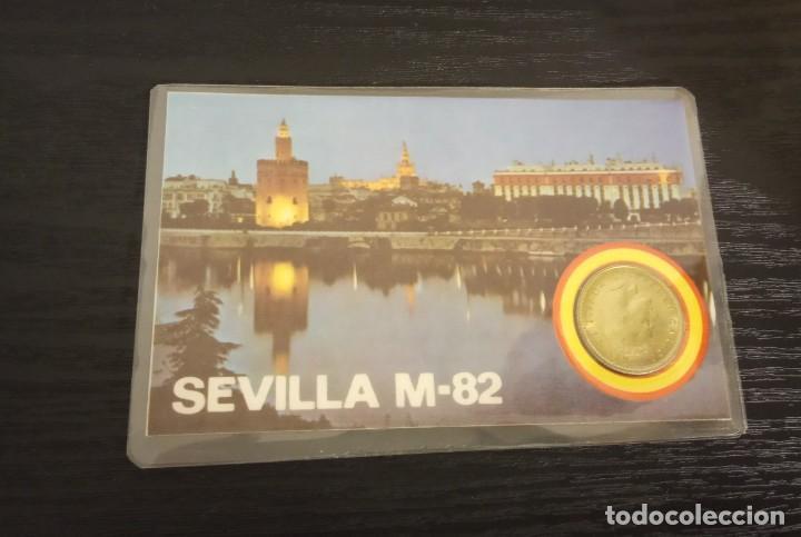 Coleccionismo deportivo: -MONEDA PLASTIFICADA CONMEMORATIVA MUNDIAL ESPAÑA 82 - SEVILLA SEDE SEVILLA , numismatica - Foto 2 - 232240845