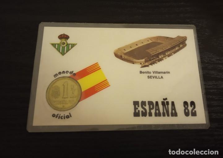 -MONEDA PLASTIFICADA CONMEMORATIVA MUNDIAL ESPAÑA 82 - BETIS SEDE SEVILLA , NUMISMATICA (Coleccionismo Deportivo - Medallas, Monedas y Trofeos de Fútbol)