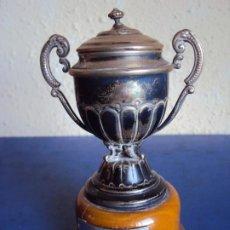 Coleccionismo deportivo: (F-210102)TROFEO DE PLATA CAMPEON COPA 1952-53 EXCLUSIVO JUGADOR C.F.BARCELONA GUSTAVO BIOSCA. Lote 234710060