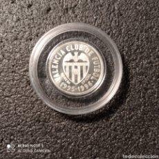 Coleccionismo deportivo: MONEDA PLATA VALENCIA C.F. - FERNANDO GÓMEZ. Lote 246321780