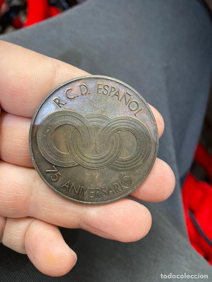 Coleccionismo deportivo: Medalla conmemorativa 75 aniversario Español - Foto 5 - 255386810