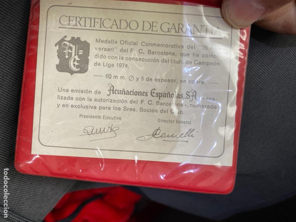 Coleccionismo deportivo: FC BARCELONA. Medalla conmemorativa 75 Aniversario. En cobre con estuche y certificado - Foto 2 - 255387965
