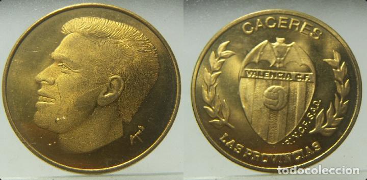 MEDALLA CACERES VALENCIA CLUB DE FUTBOL, DE LAS PROVINCIAS (Coleccionismo Deportivo - Medallas, Monedas y Trofeos de Fútbol)