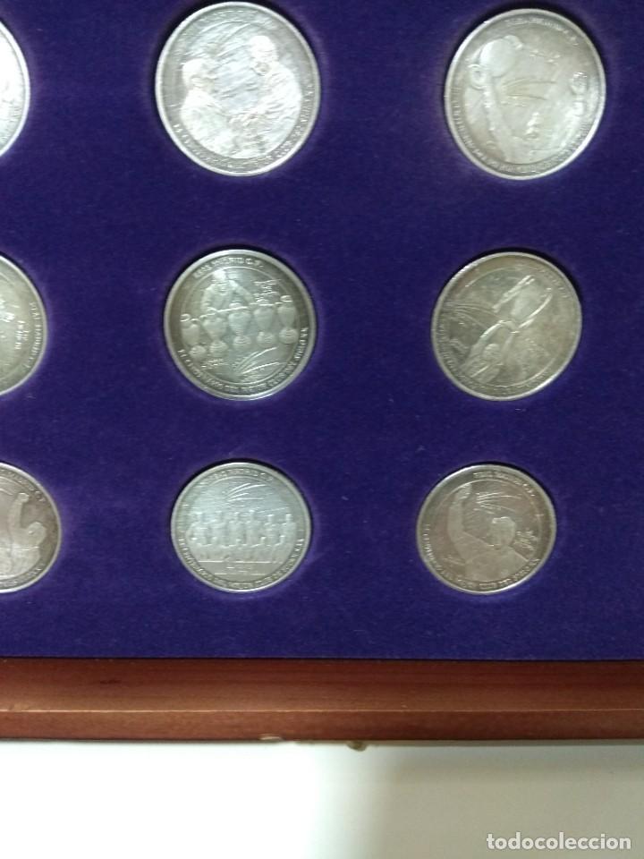 Coleccionismo deportivo: MARCA. El centenario del mejor club del siglo XX. Colección de 12 monedas y estuche. - Foto 9 - 262149265