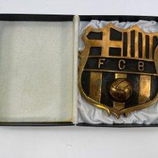 Collectionnisme sportif: ESCUDO F.C. BARCELONA EN BRONCE . S.XX. PESO 2,42 KGS.. Lote 265783944