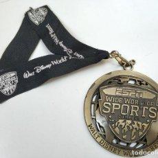 Coleccionismo deportivo: BONITA MEDALLA FUTBOL ESPN WIDE WORLD OF SPORTS WALT DISNEY BRONCE. Lote 275869278
